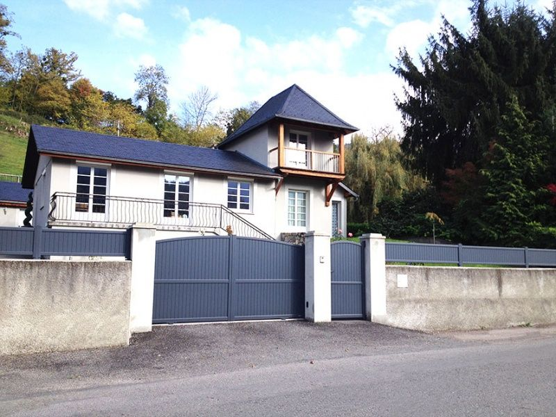 Portillon Aluminium intemporel plein sur mesure
